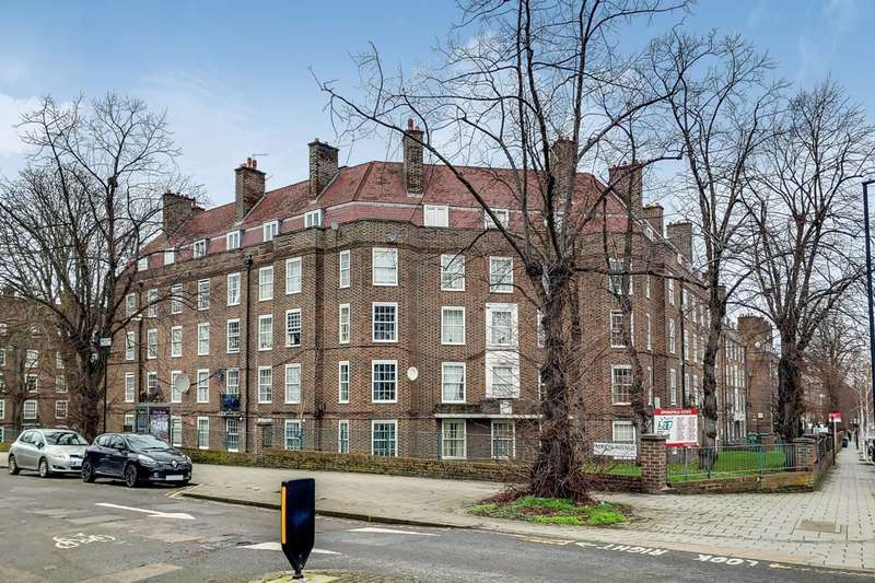 3 Bedrooms Flat for sale in Albion Avenue, Clapham North, SW8