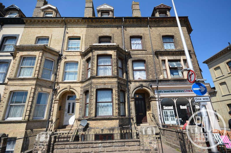 8 Bedrooms Terraced House for sale in London Road South, Lowestoft