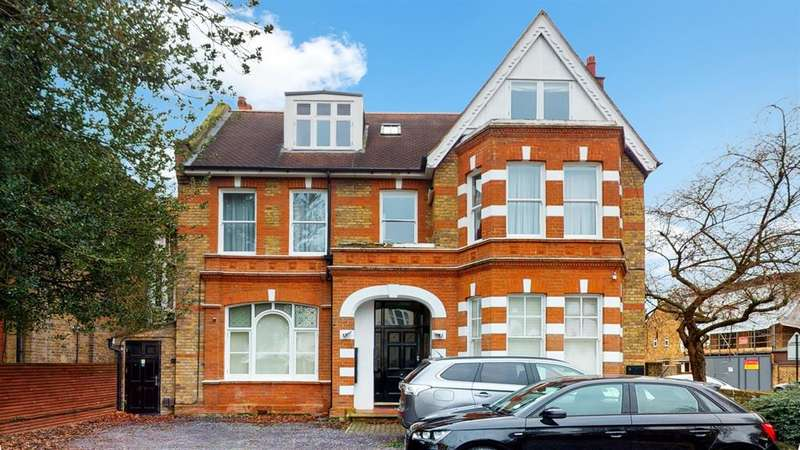 2 Bedrooms Flat for sale in Grange Road, Ealing, London, W5 3PJ