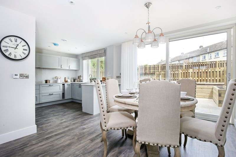 3 Bedrooms Property for sale in 24 Stuart Court, Butt Street, Minchinhampton, GL6