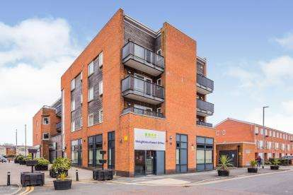2 Bedrooms Flat for sale in Stockport Road, Manchester, Greater Manchester, Uk