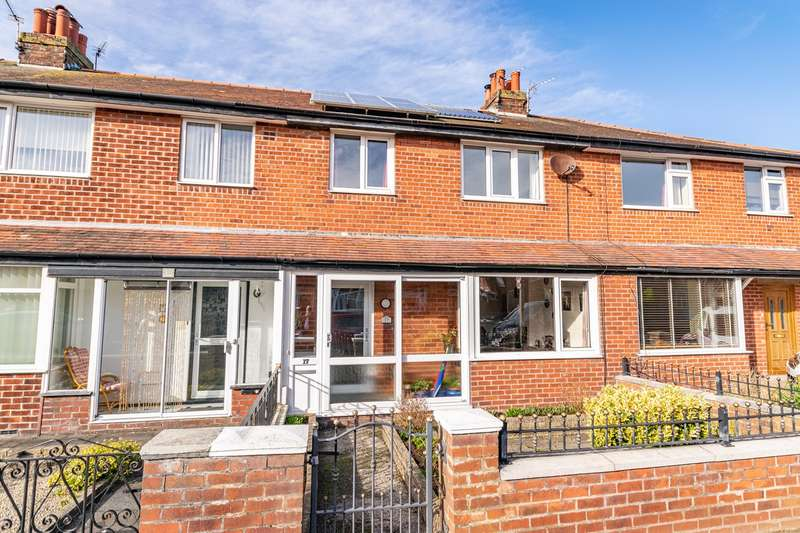 3 Bedrooms Property for sale in Fairview Avenue, Lytham St Annes, FY8