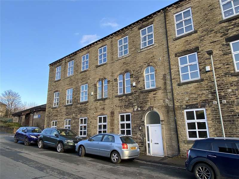 4 Bedrooms Terraced House for sale in Brunswick Place, Heckmondwike, WF16