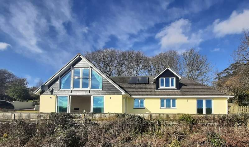 3 Bedrooms Detached House for sale in Perranwell Station, Truro