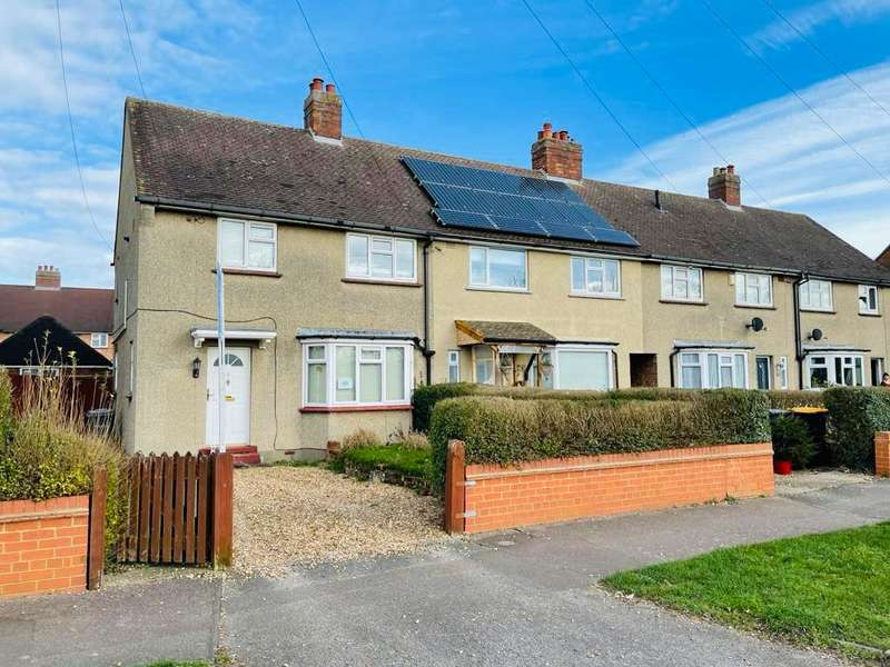 3 Bedrooms Semi Detached House for sale in Moulton Avenue, Bedford, MK42 0JD