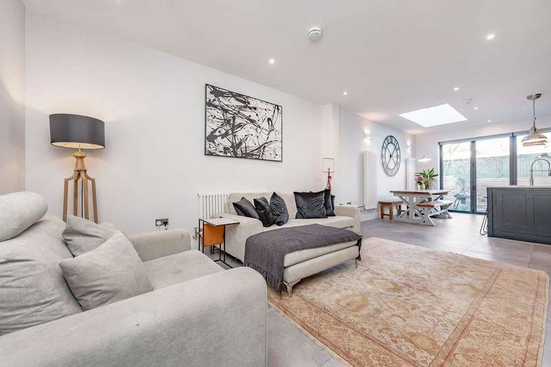 4 Bedrooms Terraced House for sale in Seely Road, London SW17