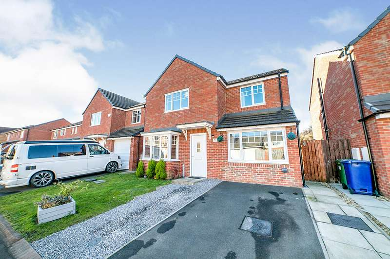4 Bedrooms Detached House for sale in Derwent Water Drive, Blaydon-on-Tyne, Tyne and Wear, NE21