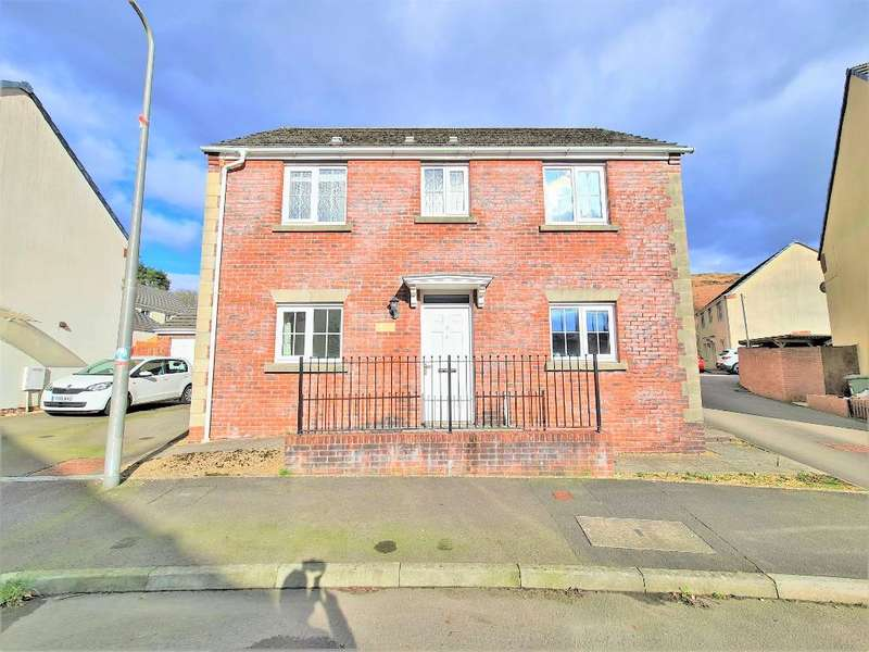 3 Bedrooms Detached House for sale in Pen Parc View, Abercynon, CF45 4PE