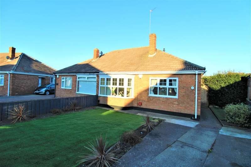 2 Bedrooms Bungalow for sale in Priory Close, Guisborough, North Yorkshire, TS14