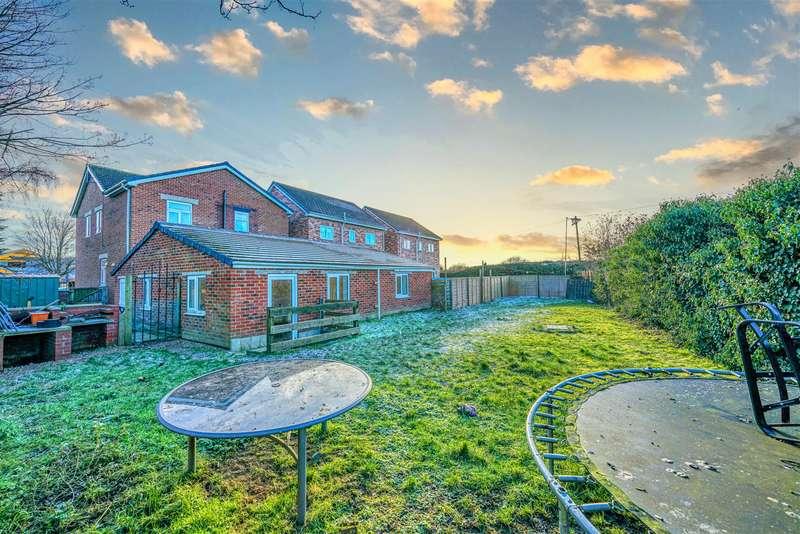 4 Bedrooms Detached House for sale in Hepworth Street, Castleford