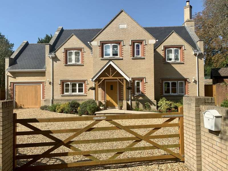 5 Bedrooms Detached House for sale in WIMBORNE
