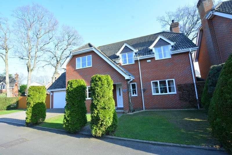 4 Bedrooms Detached House for sale in Bridleways, Verwood