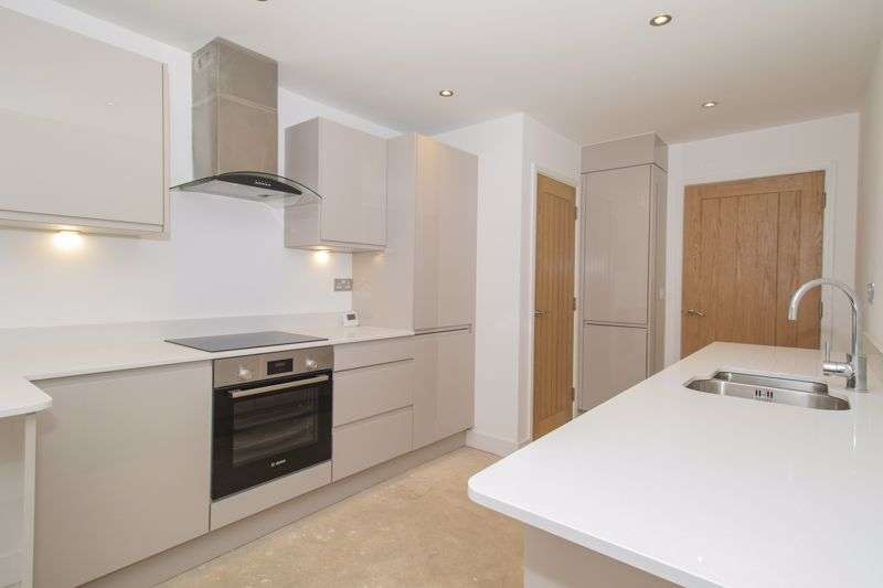 2 Bedrooms Property for sale in Bath Road, Keynsham