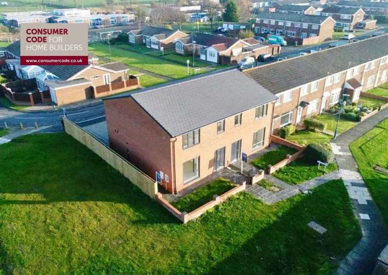 4 Bedrooms Semi Detached House for sale in Lincoln Way, Fellgate, Jarrow