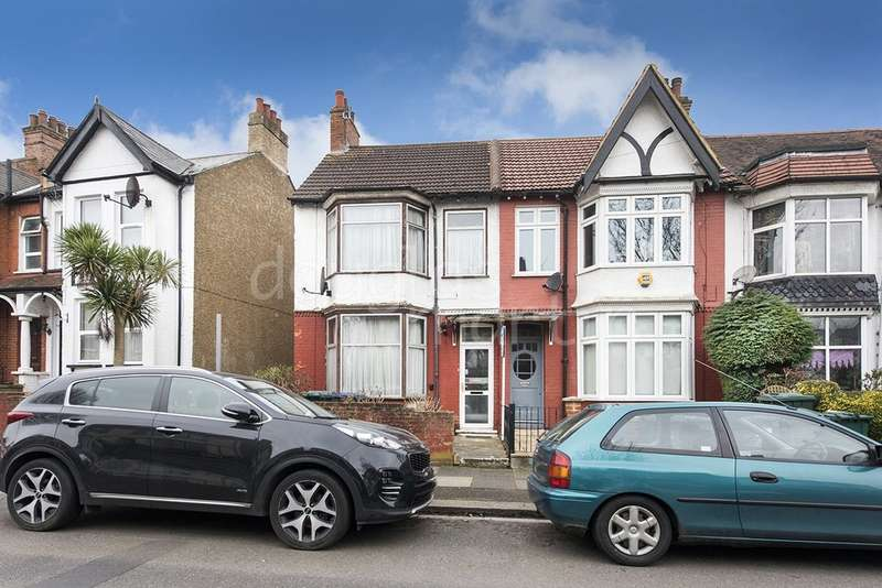3 Bedrooms End Of Terrace House for sale in Albert Road, London NW4
