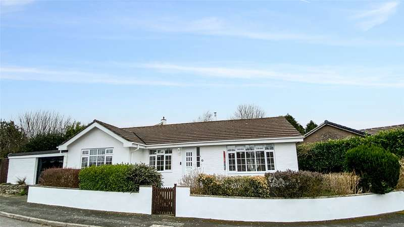 3 Bedrooms Bungalow for sale in Grylls Park, Lanreath, Looe, PL13