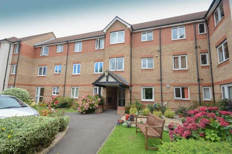 2 Bedrooms Flat for sale in Albert Road, Staple Hill, Bristol, BS16 5HG