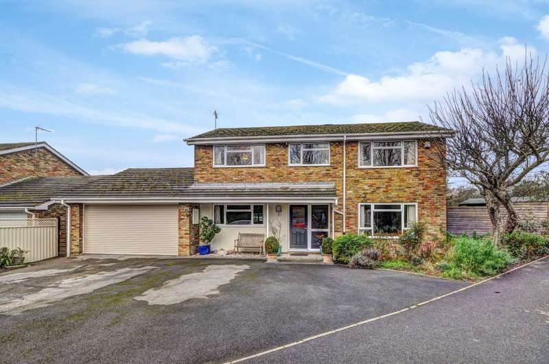 4 Bedrooms Detached House for sale in Pursell Place, Princes Risborough - Close To Amenities