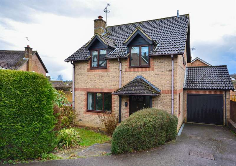 4 Bedrooms Detached House for sale in Mill Rise, Robertsbridge