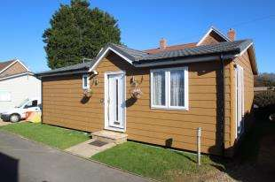 2 Bedrooms Bungalow for sale in Golden Cross Park, Golden Cross, Nr Hailsham, East Sussex