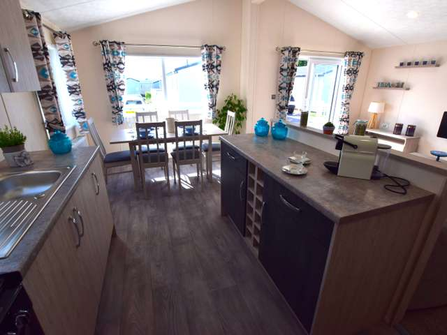 2 Bedrooms Lodge Character Property for sale in Pevensey Bay, Pevensey Bay
