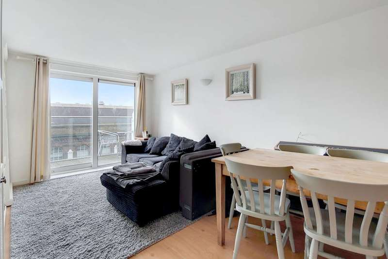 2 Bedrooms Flat for sale in Building 50, Woolwich, SE18