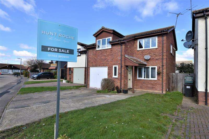 4 Bedrooms Detached House for sale in Staplegrove, Bishopsteignton, Shoeburyness, Essex, SS3