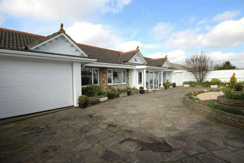3 Bedrooms Detached Bungalow for sale in Sandhurst Road, Sandilands
