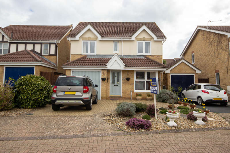 4 Bedrooms Detached House for sale in Rosetta Drive, East Cowes, Isle of Wight