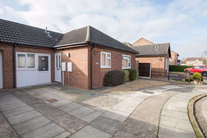 2 Bedrooms Property for sale in Waltham Close, Corby