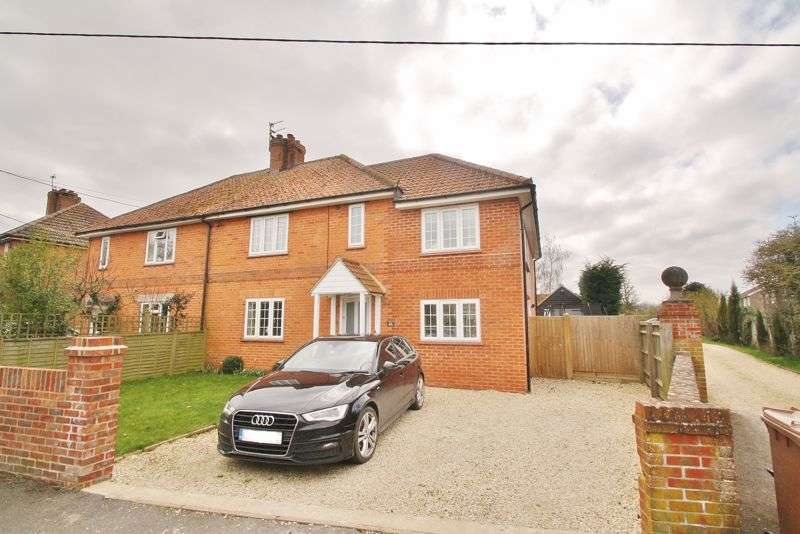 4 Bedrooms Property for sale in Turners Green, Britwell Salome, Watlington