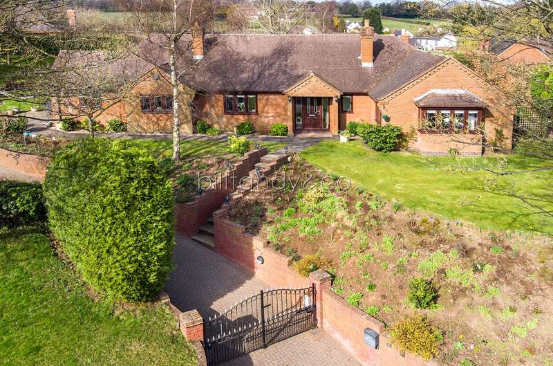 4 Bedrooms Detached Bungalow for sale in Squires Gate, Burntwood, WS7