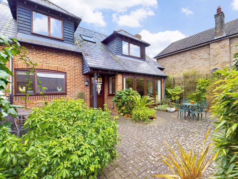 4 Bedrooms Barn Conversion Character Property for sale in Grove Place, Kensworth