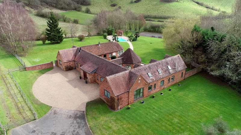 6 Bedrooms Barn Conversion Character Property for sale in Buckley Green, Henley In Arden