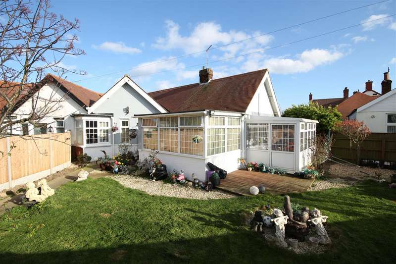 3 Bedrooms Semi Detached Bungalow for sale in Park Road, Sutton-On-Sea
