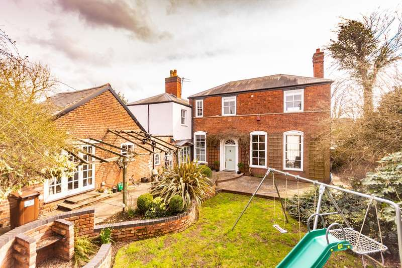 4 Bedrooms Semi Detached House for sale in Christchurch Lane, Lichfield, WS13