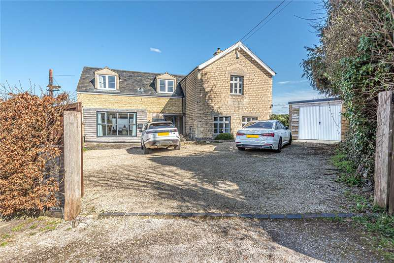 4 Bedrooms Detached House for sale in Dursley Road, Woodfield, Dursley, GL11
