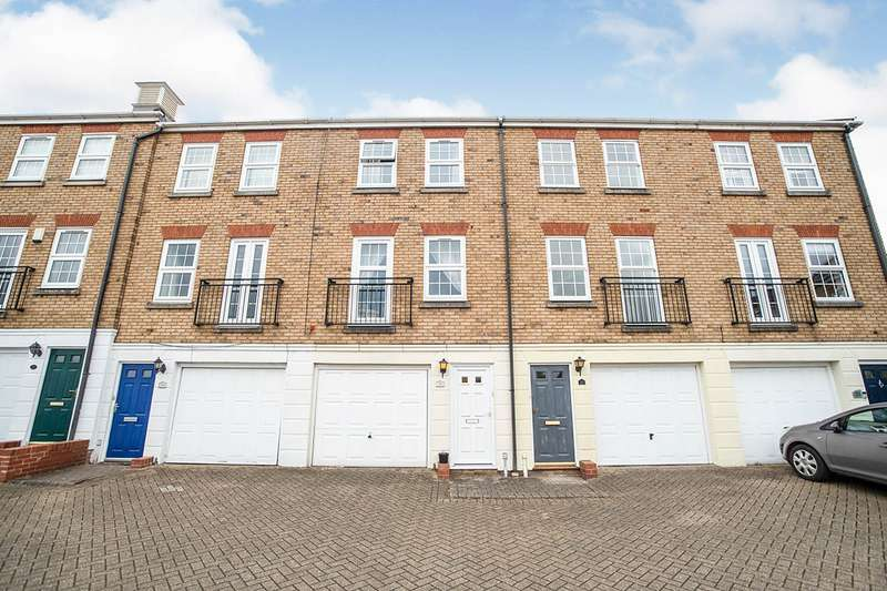2 Bedrooms House for sale in Frobisher Way, Greenhithe, Kent, DA9
