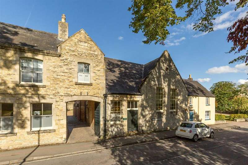 4 Bedrooms Town House for sale in Church Street, Bicester