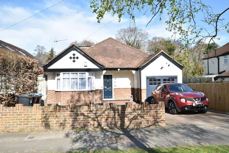 4 Bedrooms Detached House for sale in Woodlands Avenue, West Byfleet, KT14