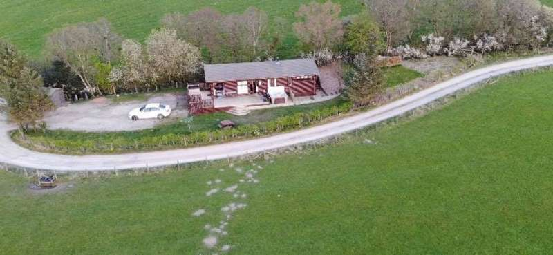 3 Bedrooms Lodge Character Property for sale in Barras, Kirkby Stephen, CA17