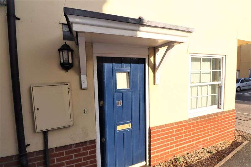 2 Bedrooms Property for sale in Land Lane, Colchester
