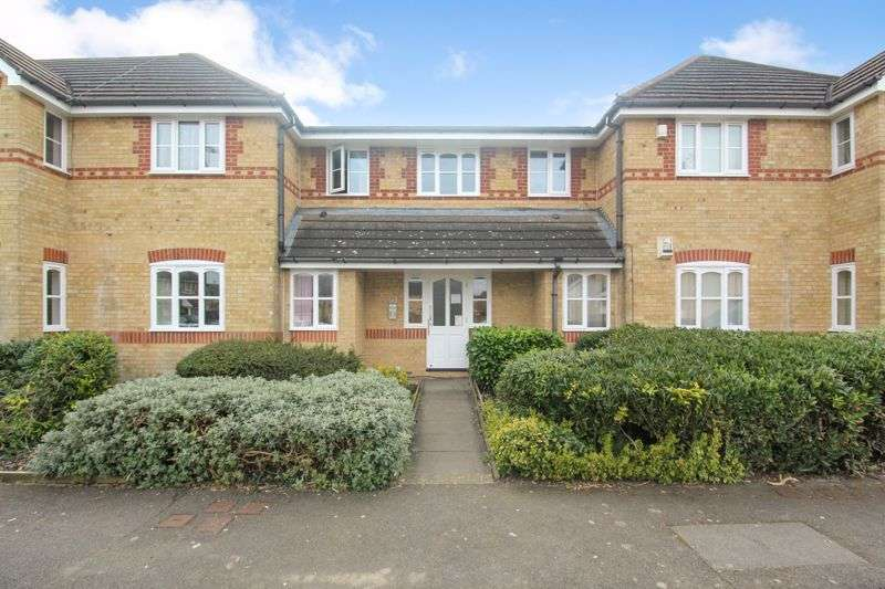 1 Bedroom Property for sale in Larkspur Gardens, Luton
