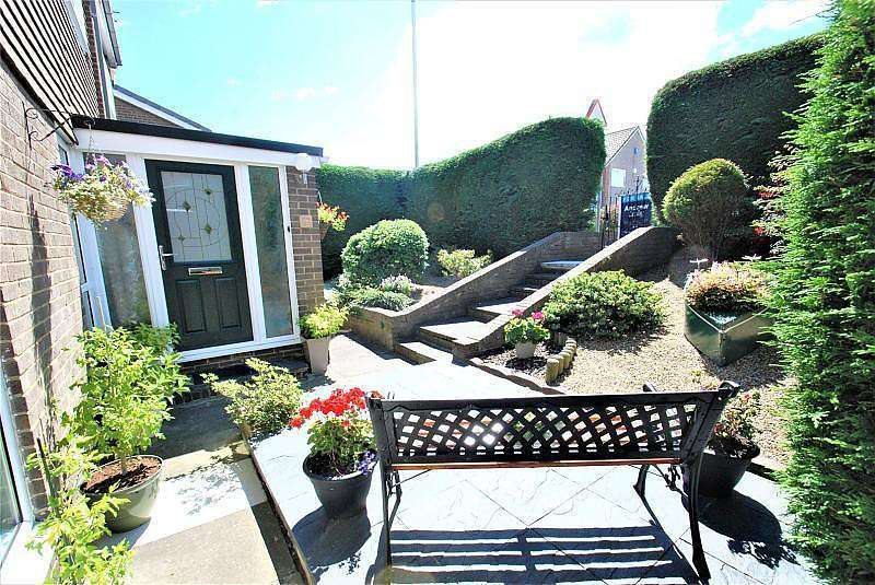 4 Bedrooms Detached House for sale in Highfield Road, South Shields