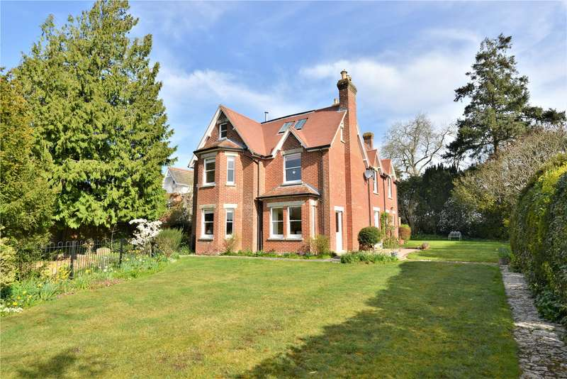 4 Bedrooms Detached House for sale in Victoria Road, Fordingbridge, Hampshire, SP6