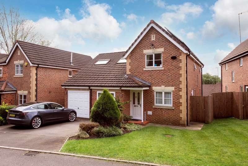5 Bedrooms Detached House for sale in Degas Close, Salford