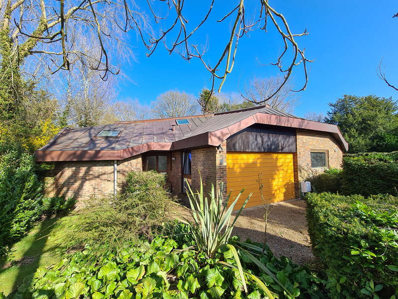 4 Bedrooms Detached House for sale in Gage Ridge, Forest Row