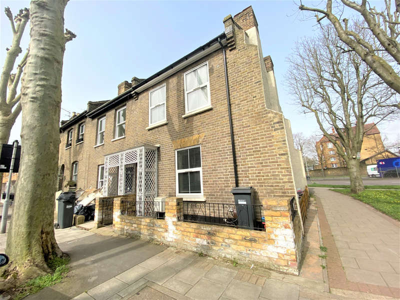 3 Bedrooms End Of Terrace House for sale in Sutherland Road, Chiswick, W4 2QR