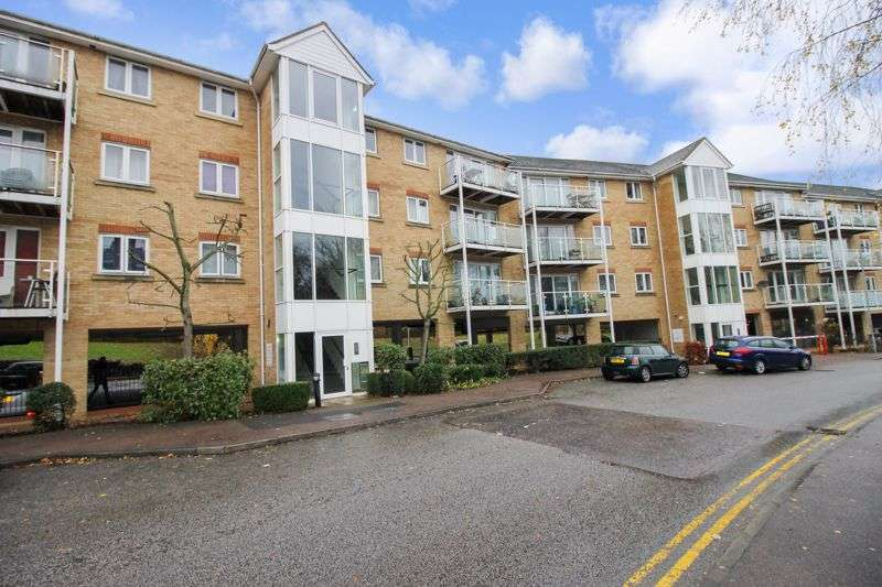 2 Bedrooms Property for rent in Foxglove Way, Luton