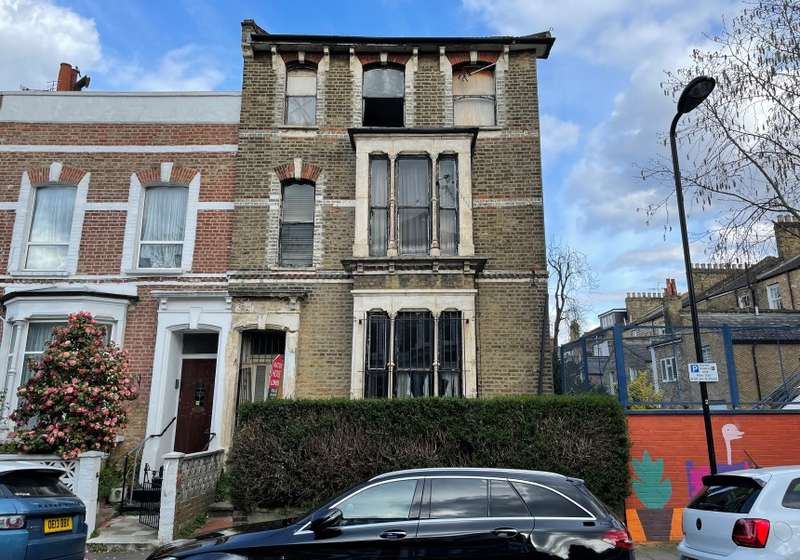 6 Bedrooms End Of Terrace House for sale in Darville Road, Stoke Newington, London, N16 7PS